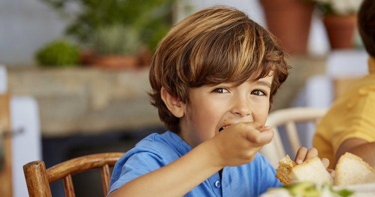 Salgında yanlış beslenme alışkanlıklarına dikkat!