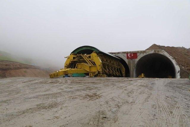 Dünyanın en uzun ikinci tünelinde sona yaklaşıldı