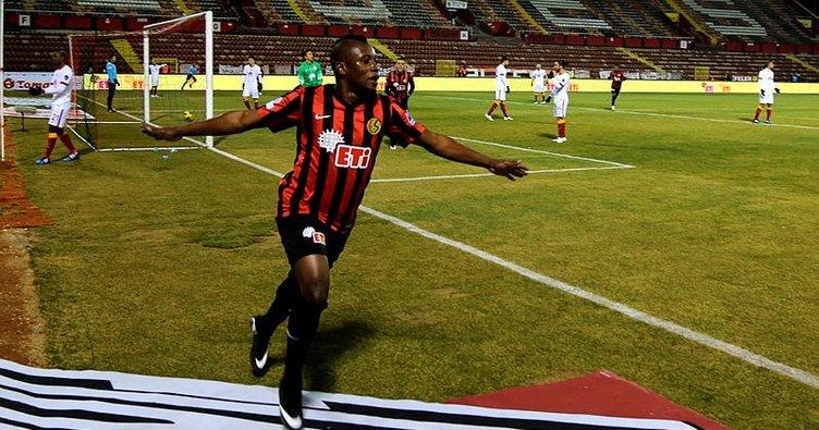 İbrahim Sissoko yeniden Eskişehirspor'da