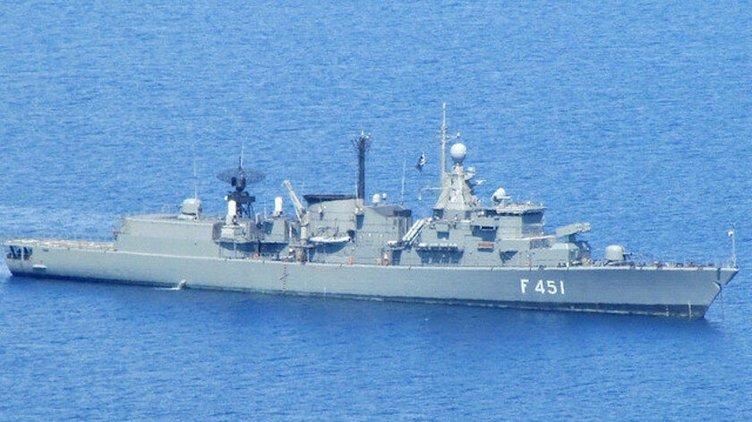 SON DAKİKA: Yunanistan ile Doğu Akdeniz'de sıcak temas! T.C.G Kemal Reis vurdu geçti, Limnos ağır hasarlı...