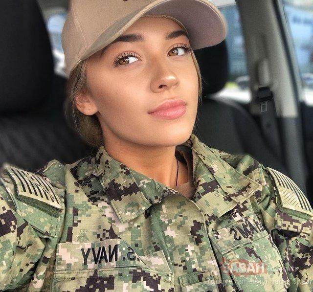 Kadın askerlerin o halleri şaşırttı! Sosyal Medya yıkıldı...
