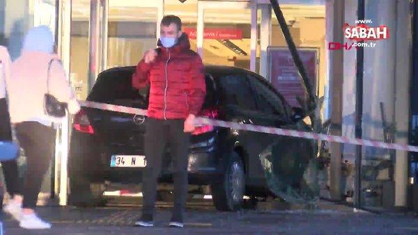İstanbul Şişli'de hastane acil giriş kapısında akılalmaz kaza   Video