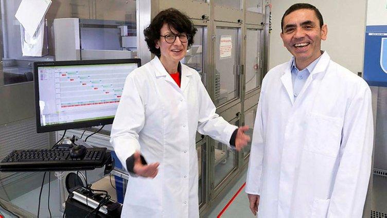 Pfizer ve BioNTech'in corona virüs aşısı için tarih verildi! Prof. Dr. Uğur Şahin'den sevindiren haber...