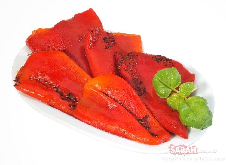 Bu besin damar tıkanıklığını gideriyor kalp krizini önlüyor! İşte közlenmiş kırmızı biberin inanılmaz faydaları...