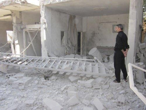 Suriye'de sokaklarda çatışma, cenaze törenlerinde öfke