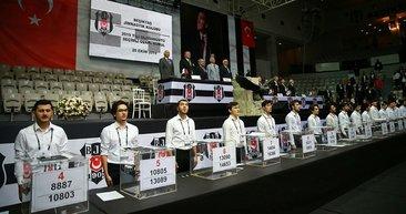 Beşiktaş Olağanüstü Seçimli Genel Kurulu'ndan kareler