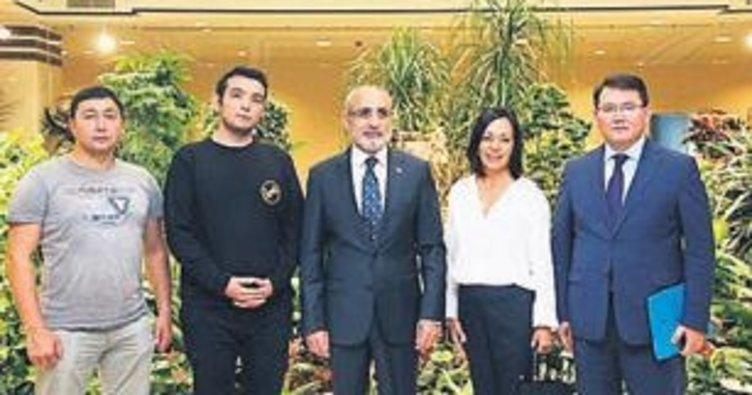 Topçu: Kazakistan Avrasya'nın kalbi