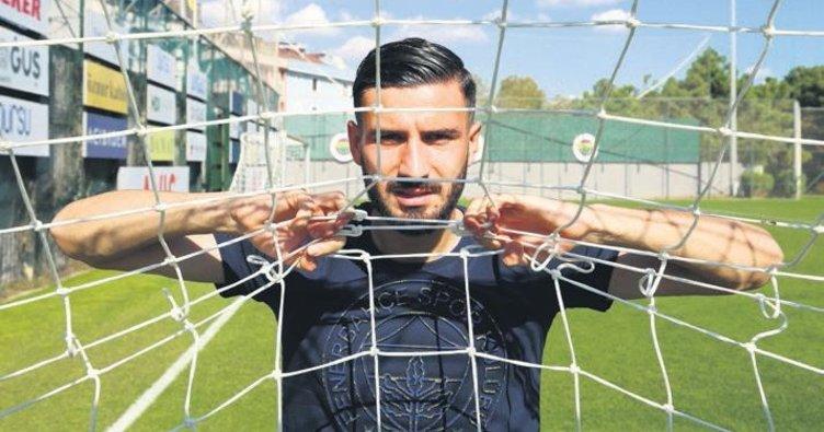 Fenerbahçe'nin yeni forveti Kemal Ademi: Ronaldo'dan yükseğe sıçrayabilirim