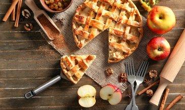 En pratik ve lezzetli elmalı turta tarifi: Ağızda dağılan nefis elmalı turta tarifi ile malzemeler