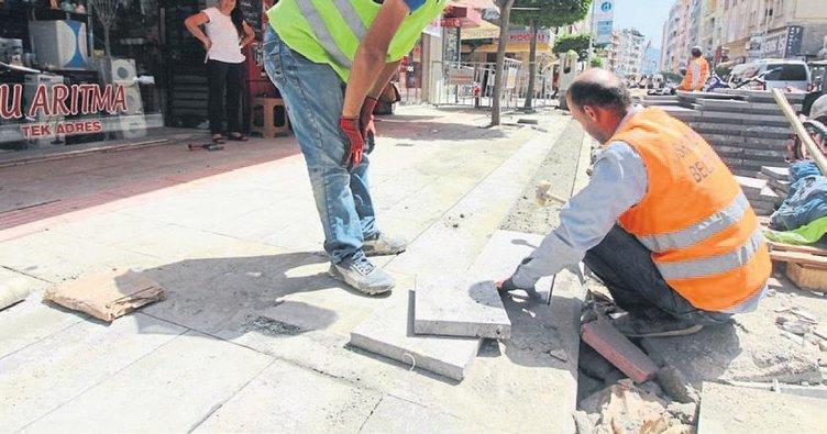 Şehit Pamir Caddesi'nde kaldırımlar yenileniyor