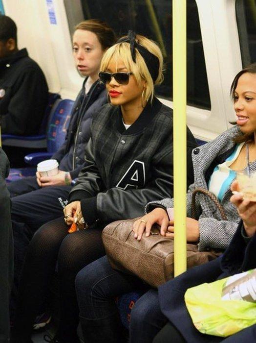 Toplu taşımada seyahat eden ünlüler
