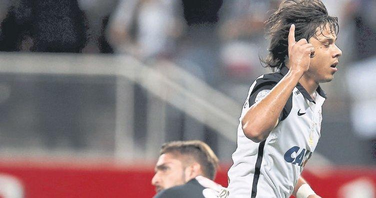 Fernandes pahalı hedef romero