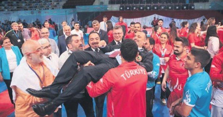 Cumhurbaşkanı'ndan şampiyonlara davet