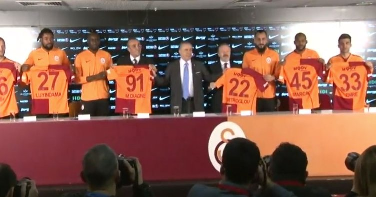 Yeni transferlerin imza töreninde Mustafa Cengiz'den flaş sözler