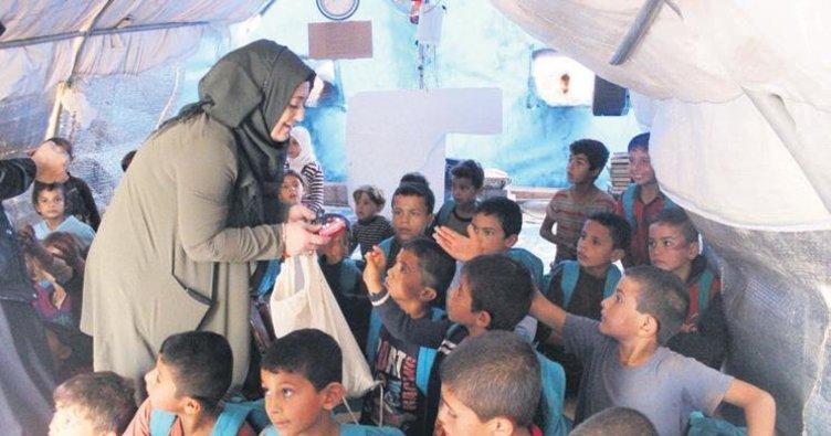 Suriyeli çocukların altın kalpli ablası