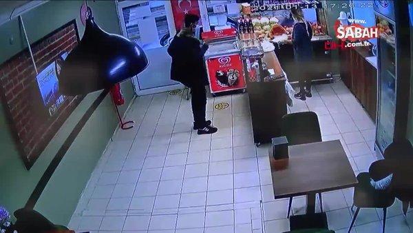 Eve sipariş sorma bahanesiyle telefonu alarak kaçtı. O anlar kamerada | Video