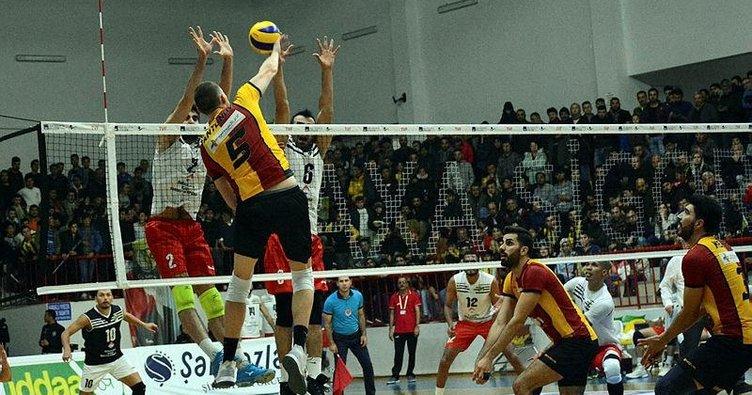 Filede Galatasaray zirveyi bırakmadı