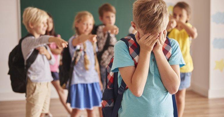 Zorbalığa uğrayan çocuklar giderek çok  ağır sorunlar yaşayabiliyor