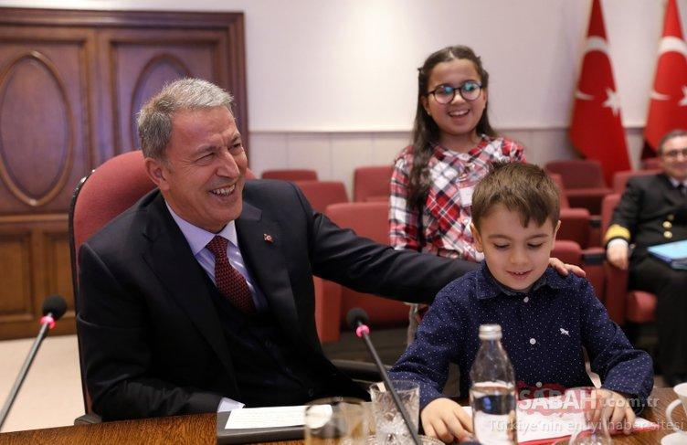 Bakan Akar ve komutanlar, şehit çocuklarıyla buluştu