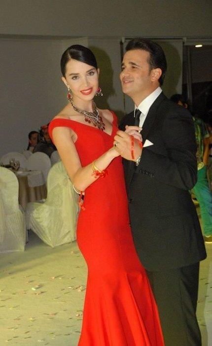 Elif Ece Uzun evliliğe ilk adımı attı