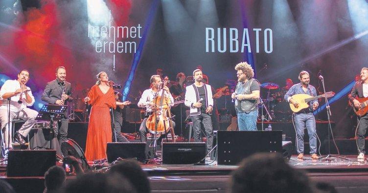 Açıkhava'da sürprizli müzik gecesi