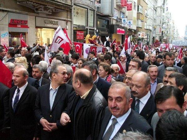 İstiklal Caddesi'nde öküzlü-kağnılı yürüyüş