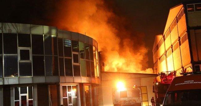 Samsun'da lastik fabrikasında yangın