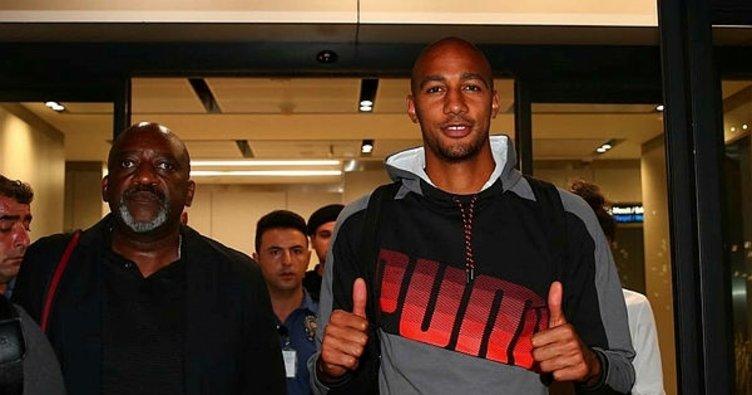 Galatasaray'ın yeni transferi Nzonzi, İstanbul'da