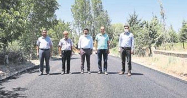 Burdur'da köy yollarına asfalt