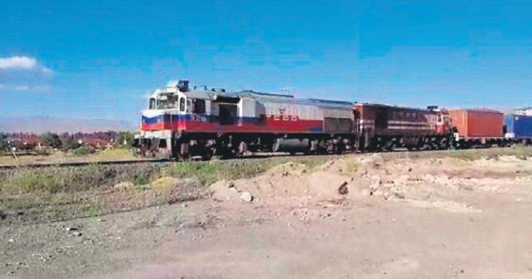 Çin'den gelen dev yük treni İzmit'e ulaştı
