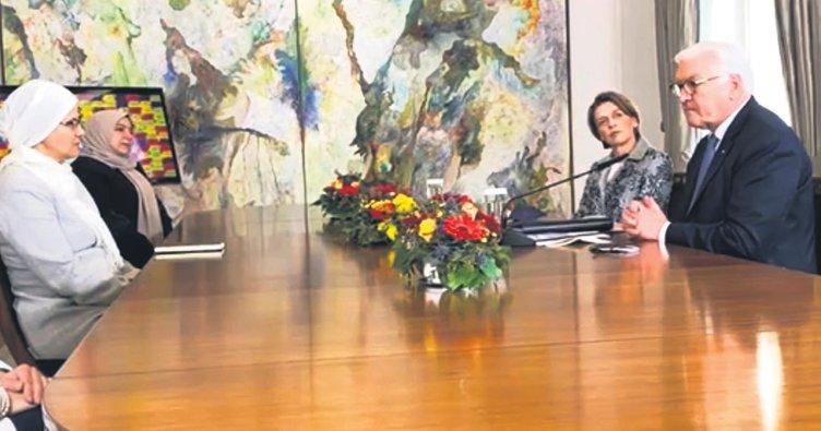 Steinmeier, Müslüman kadınlarla buluştu