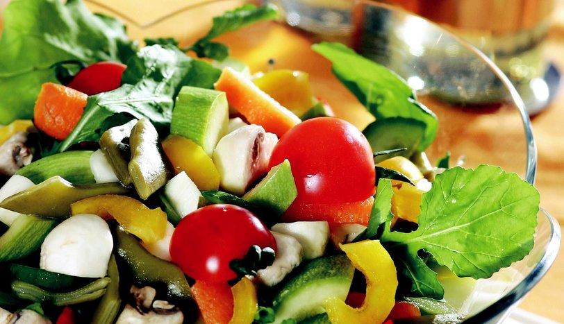 Sebzeli Bahar Salatası