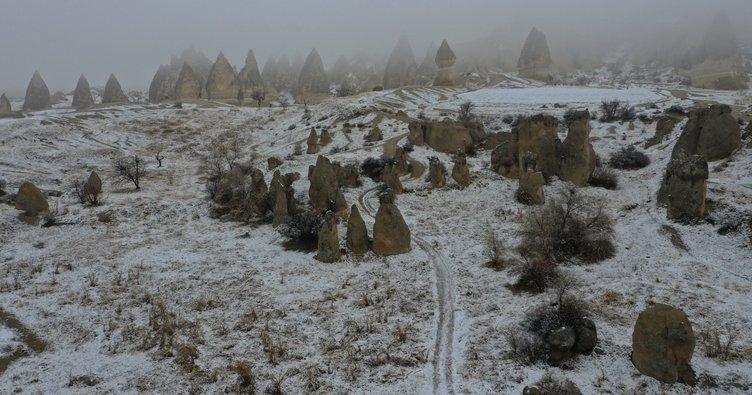 Karlı Kapadokya turistleri hayran bıraktı