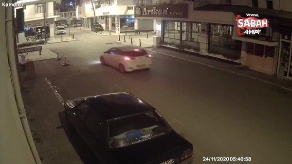 Çaldığı dubayı otomobilin üzerine koyup, ters yönde yoluna devam etti...O anlar kamerada | Video