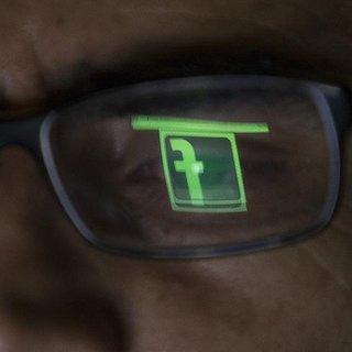 İngiltere'de Facebook veri ihlali iddiaları