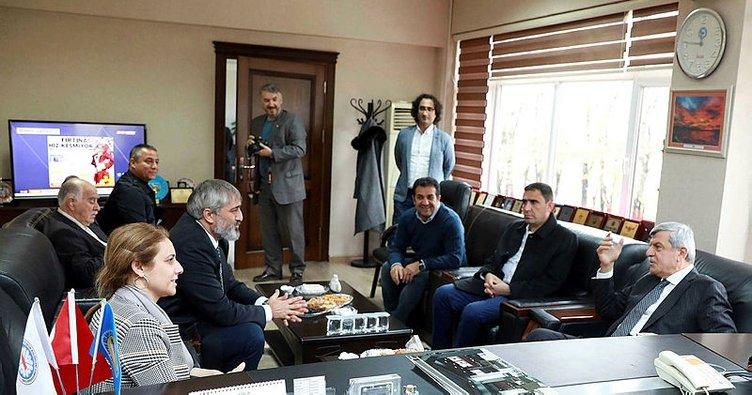 """Başkan Karaosmanoğlu, """"Amatör spora ve gençlerimize önem veriyoruz"""""""