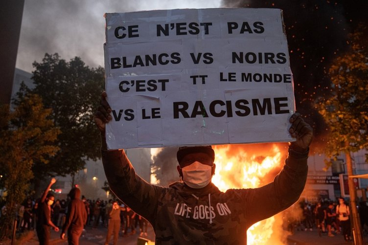 Fransa'da eski cinayet raporu sokakları karıştırdı! Göstericiler ile polis çatıştı