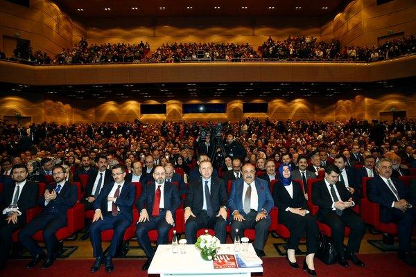 Erdoğan Cumhurbaşkanlığı Sistemi Sempozyumu'na katıldı