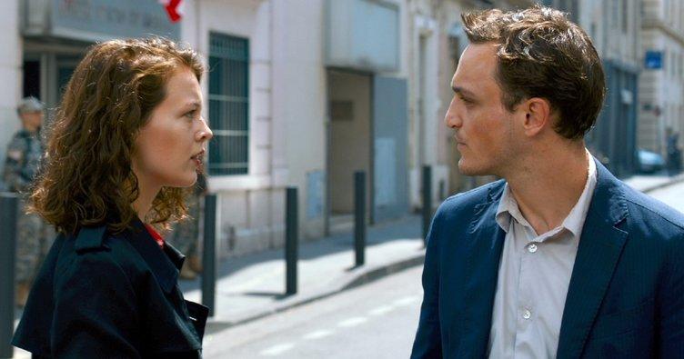 Transit filminin konusu nedir? Transit filminin oyuncu kadrosunda kimler yer alıyor?