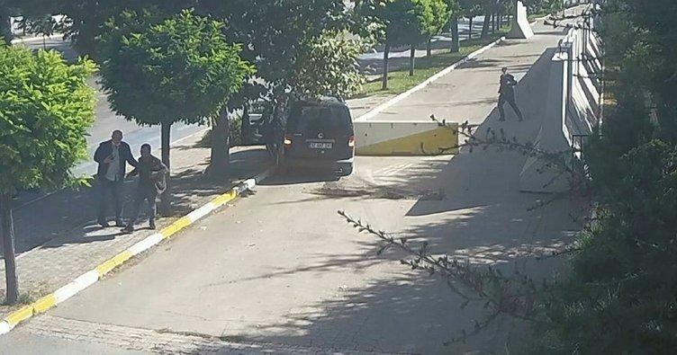 Çaldığı otomobille Emniyet'in önünde kaza yaptı