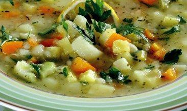 Sağlıklı ve besleyici sebze çorbası tarifi: Vitamin deposu sebze çorbası nasıl yapılır?