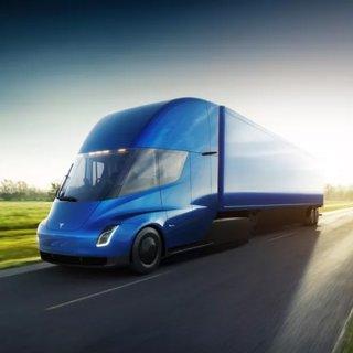 Tesla'nın kamyonu kapış kapış gidiyor!