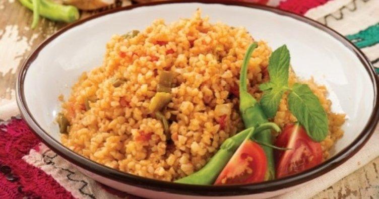 Bulgur pilavı tarifi yapılışı! Sebzeli, domatesli ve sade bulgur pilavı tarifi nasıl yapılır?