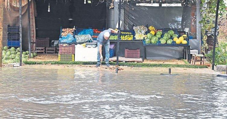 Balıkesir ve Manisa sağanak yağışa teslim