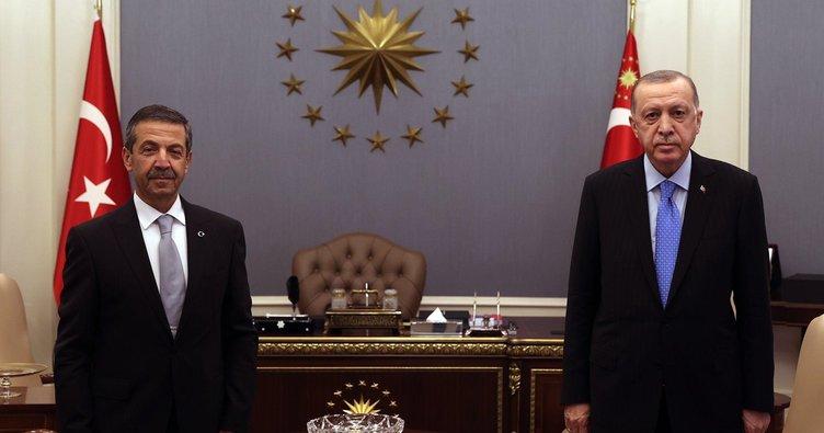 Başkan Erdoğan  KKTC Dışişleri Bakanı Tahsin Ertuğruloğlu'nu kabul etti