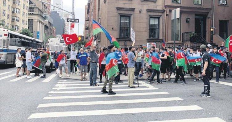 ABD'de 'Bir millet iki devlet' sloganları