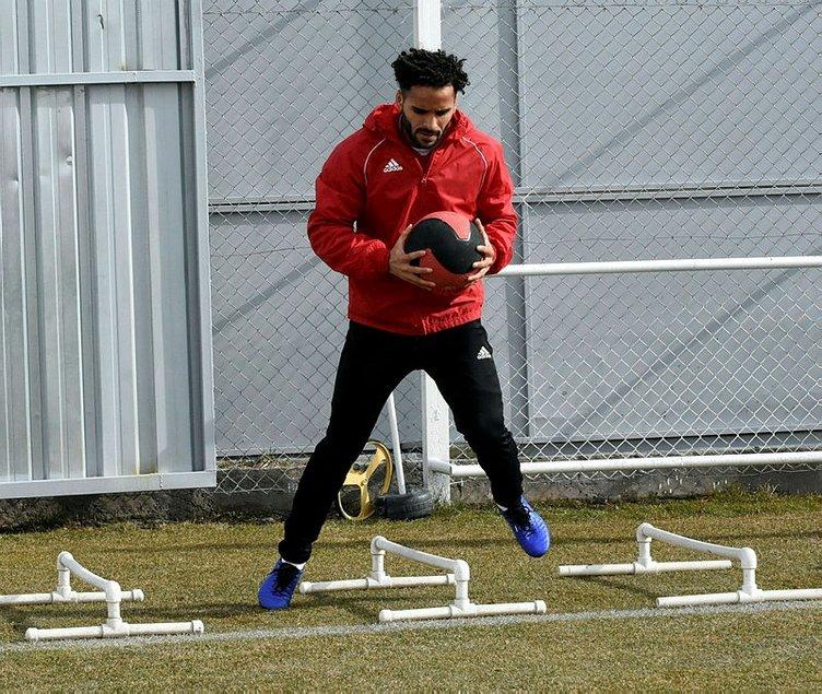 Galatasaray'da transfer görüşmesi başladı: Douglas