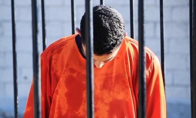 IŞİD'e özenip arkadaşlarını yaktılar