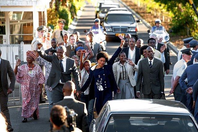 Mandela: Özgürlüğe Giden Uzun Yol filminden kareler