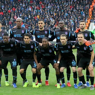 Trabzonspor centilmen, Fenerbahçe hırçın bir görüntü sergiliyor